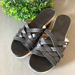 Ugg women's black leather espadrille sandals sz 9
